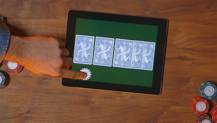 Für Digitalopfer: Poker auf mehreren Smartphones Bold_Poker_02
