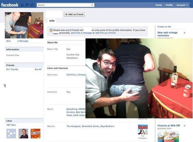 Typ stellt Facebook-Profilbilder Gleichnamiger nach und stellt ihnen Freundschaftsanfragen CasinoRoy_04