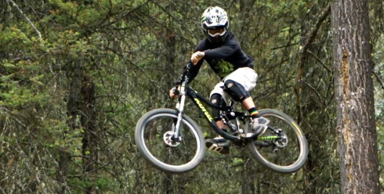 Freeride Mountain Biking: Strength in Numbers Strenght_in_numbers_02