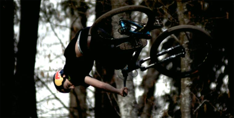 Freeride Mountain Biking: Strength in Numbers Strenght_in_numbers_03