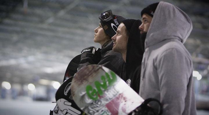 Snowboarden im Licht der LEDs black_snow_02