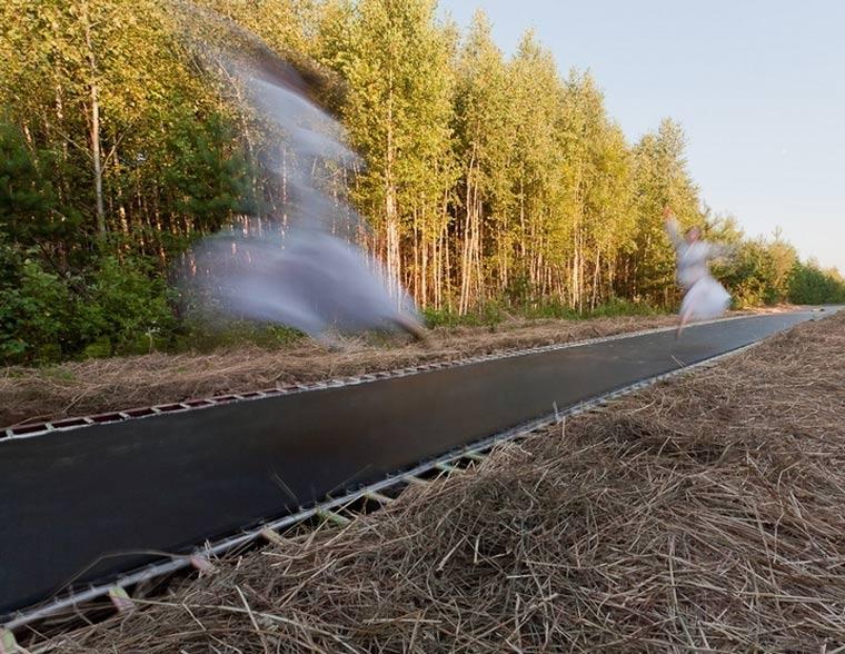 51 Meter langes Trampolin fast_track_02