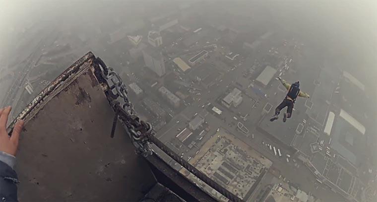 Wie man illegal vom höchsten Baukran der Welt springt