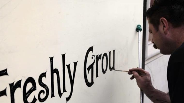 Kurzdoku über handgemalte Typografie