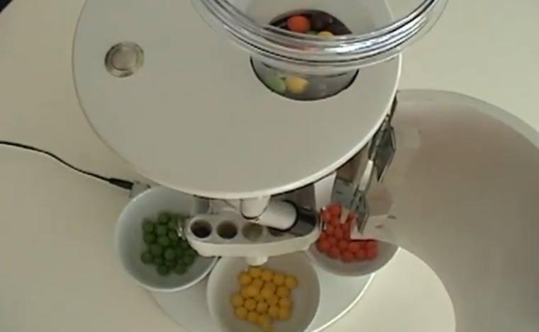 Skittles-Farbsortier-Maschine skittles_sortiermaschine