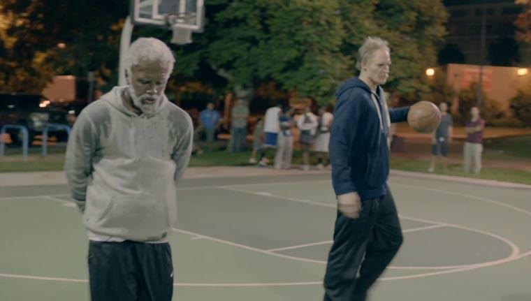 NBA-Star macht als Opa verkleidet alle nass. Nochmal.