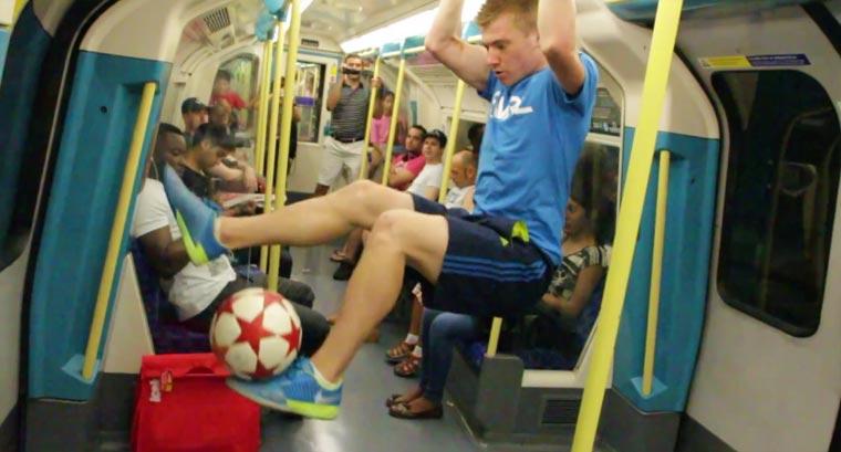 Klasse Fußball-Freestyle-Tricks Andrew_Henderson