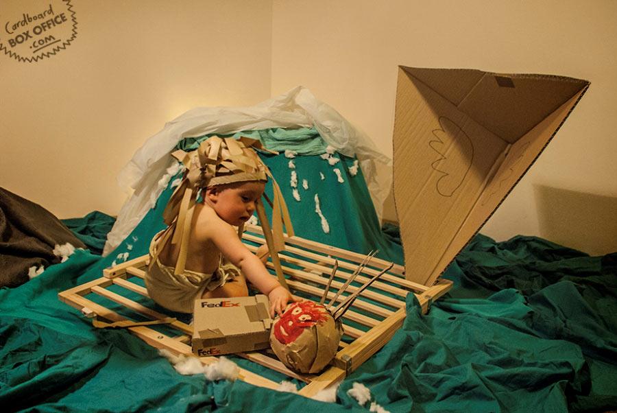 Filmnachbauten mit Baby und Pappe Cardboard_BOX_Office_04