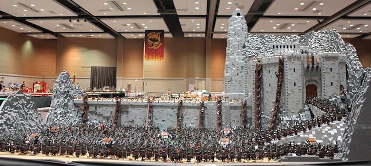 Helms Klamm aus 150.000 LEGO-Steinen Helms_lego-deep_01