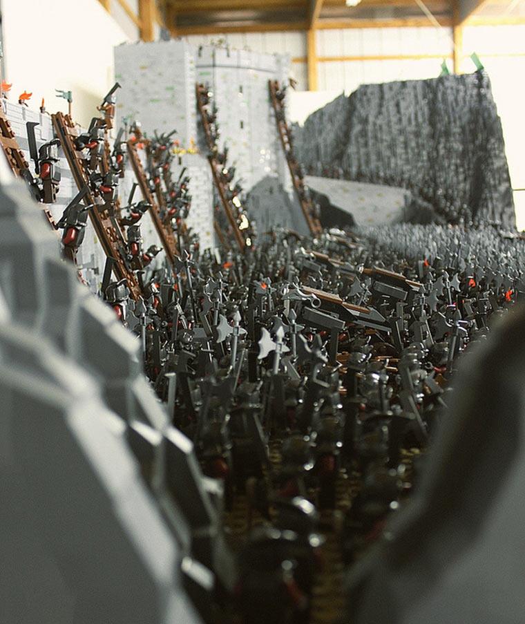 Helms Klamm aus 150.000 LEGO-Steinen Helms_lego-deep_06