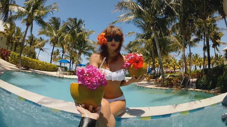Mit GoPro und Haien unter Wasser Shark_Riders_01