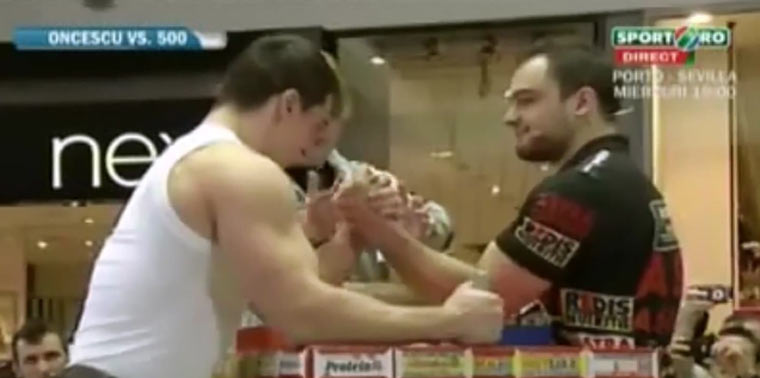 Profi-Armdrücker vs. Profi-Bodybuilder armwrestling