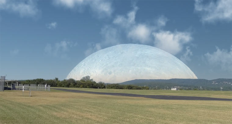 Wäre der Mond so weit entfernt wie die ISS bigmoon