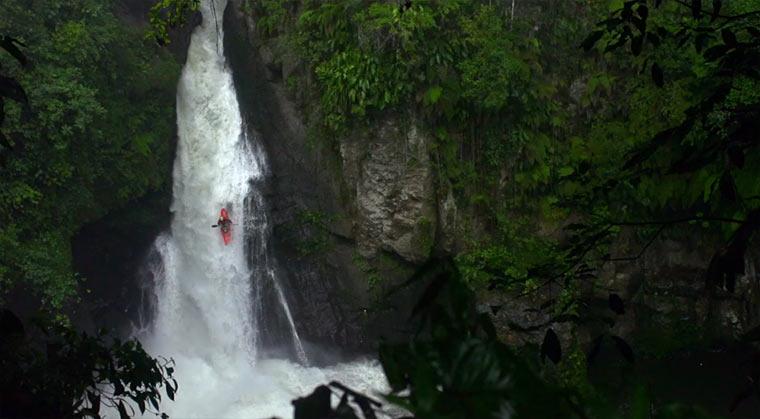 Mit dem Kanu mexikanische Wasserfälle hinunter: Cascada cascada3