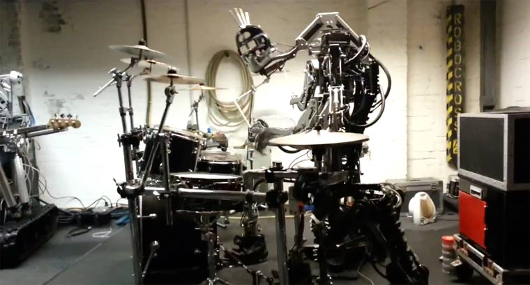 Roboterband spielt Motörhead compressorheadband