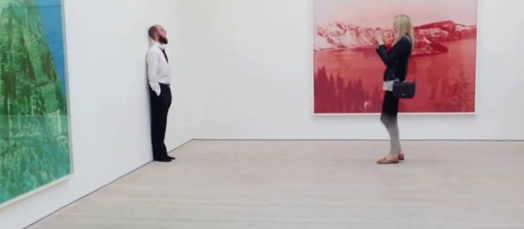 Sich selbst im Museum als Kunst ausgeben gallery_hijack
