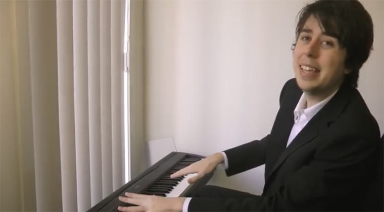 Trick zum Vortäuschen, man könne Klavier spielen klavierspieltrick
