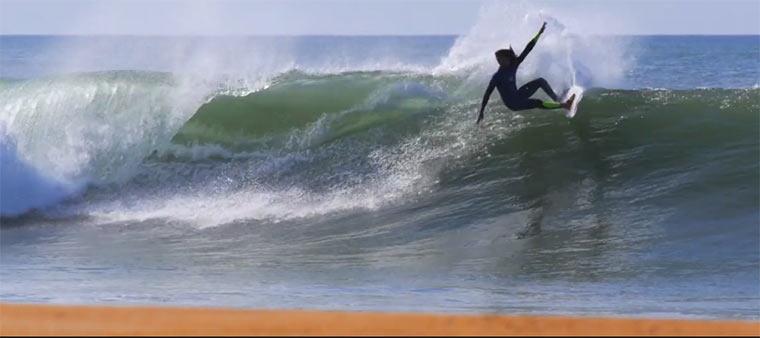 Surfing: Adrien Toyon