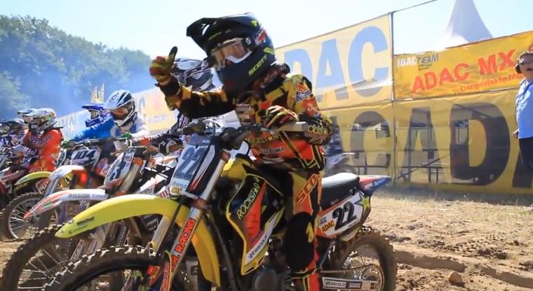 Energiegeladenes Motocross-Kid motocross-kid