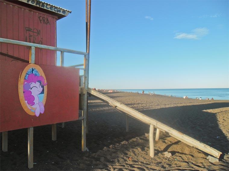 My Little Pony Portal von Deutschland nach Argentinien pinkie_pie_portals_02