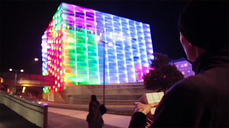 Rubiks Cube Gebäudeprojektion