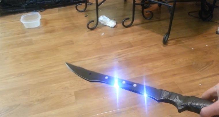 WTF? Das Taser-Schwert