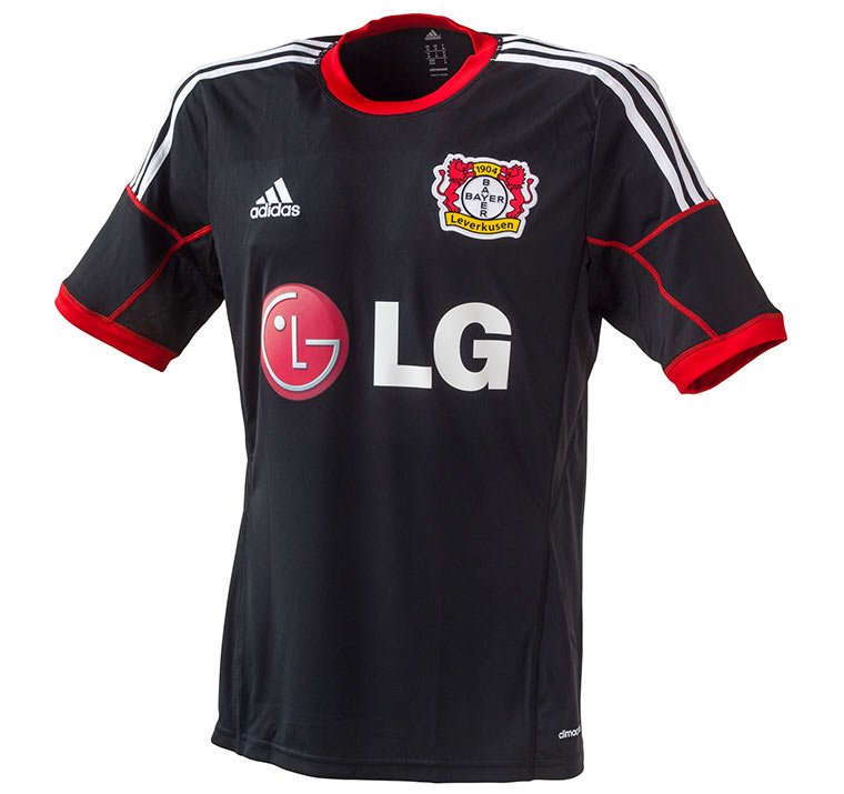 Alle Bundesliga-Trikots 2014/15 Bayer_Trikot_02