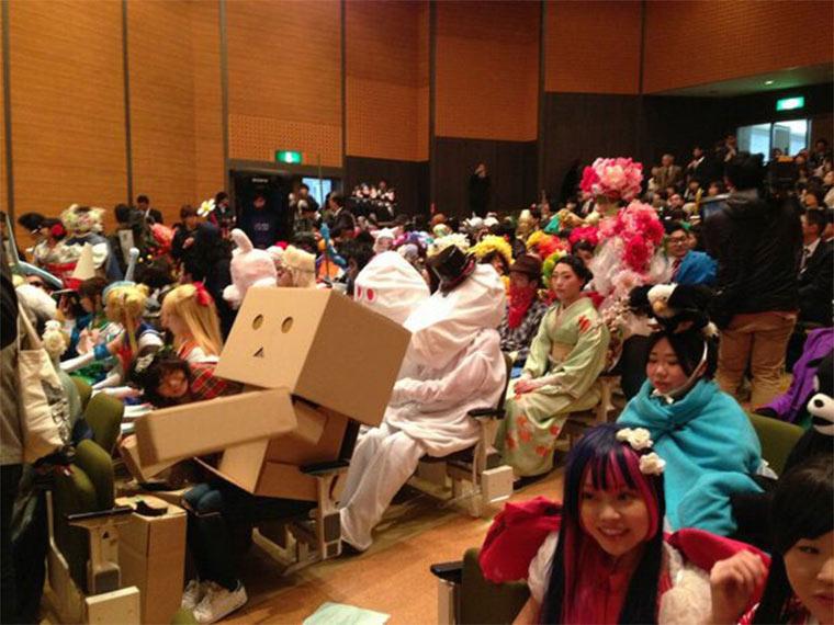 Kunst-Absolventen dürfen tragen, was sie wollen Kanazawa-College-of-Art_01