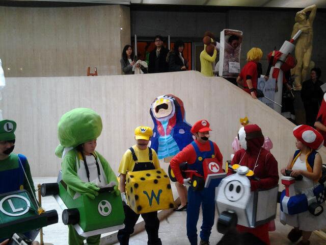 Kunst-Absolventen dürfen tragen, was sie wollen Kanazawa-College-of-Art_03