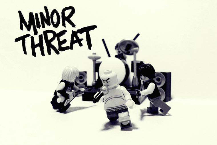 20 ikonische Bands mit LEGO nachgestellt LEGO_Bands_03