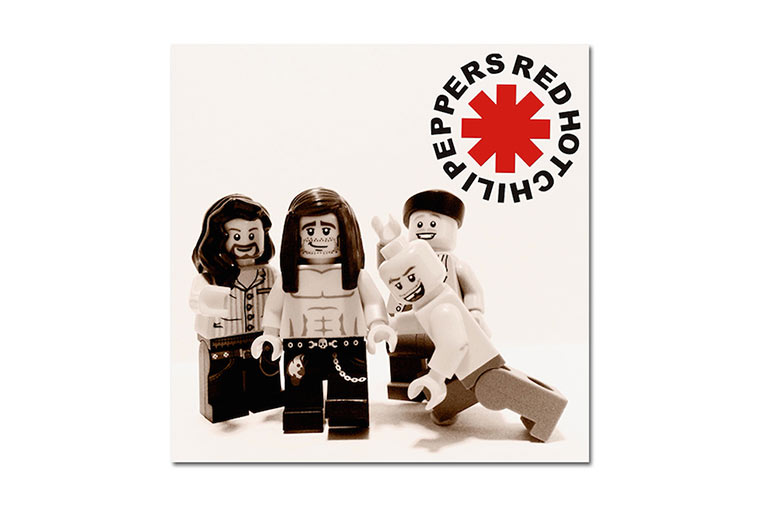 20 ikonische Bands mit LEGO nachgestellt LEGO_Bands_04