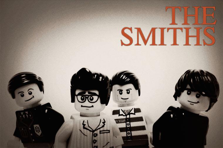 20 ikonische Bands mit LEGO nachgestellt LEGO_Bands_07