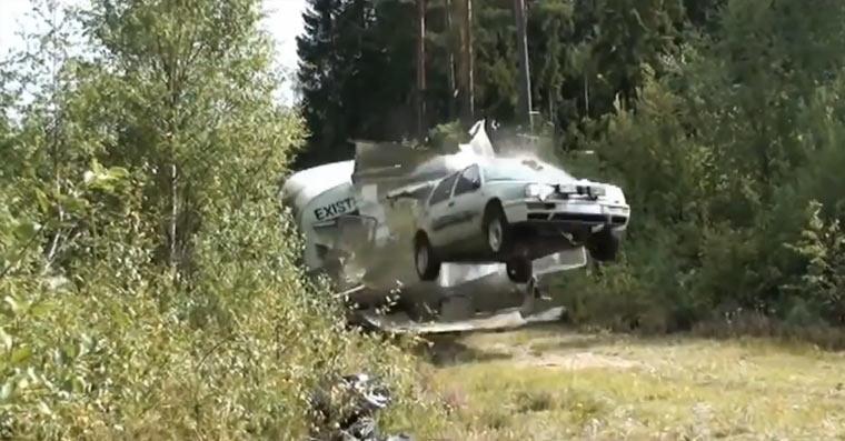 Compilation: Fliegende Autos carjumps