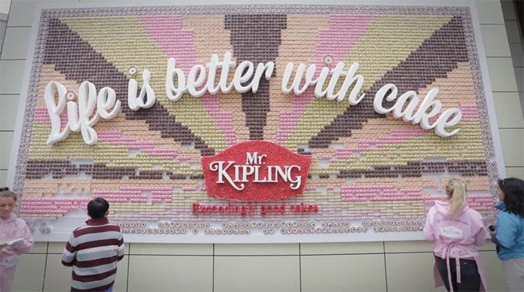 Plakat aus Kuchenstücken edible_billboard
