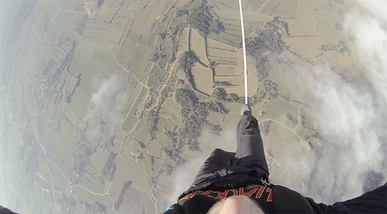 Slackline zwischen zwei Heißluftballons hotballonslackline_02