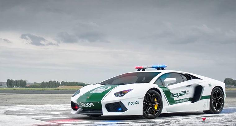 Schnellste & teuerste Streifenwagen der Welt worldsfastestpolicecars