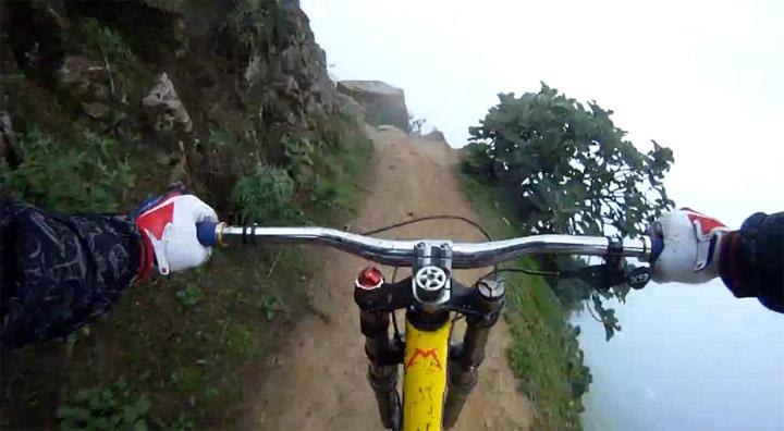 Adrenalin pur: Mountainbike-Abfahrt extrem Alejandro_Paz_crazymountainride