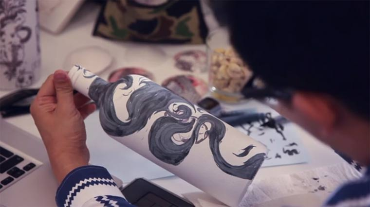 Daumenkino mit Vodka-Flaschen