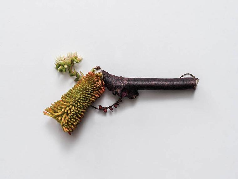 Harm Less: Waffen aus Pflanzen Harm_Less_04