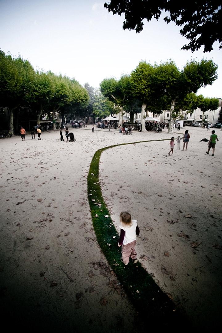 Folge dem grünen Rasenteppich Tapis_Rouge_05