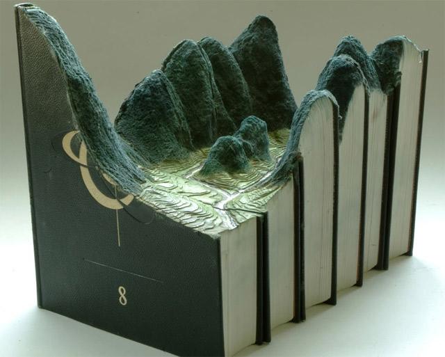 Aus Büchern geschnitzte Landschaften carvedbooklandscapes_01