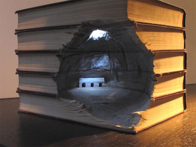 Aus Büchern geschnitzte Landschaften carvedbooklandscapes_05