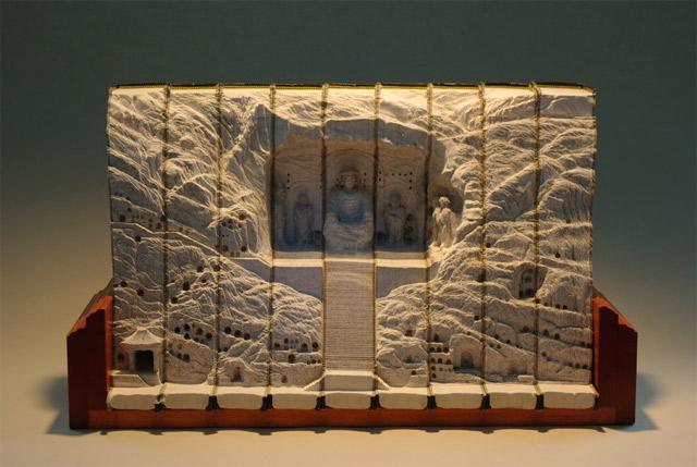 Aus Büchern geschnitzte Landschaften carvedbooklandscapes_06
