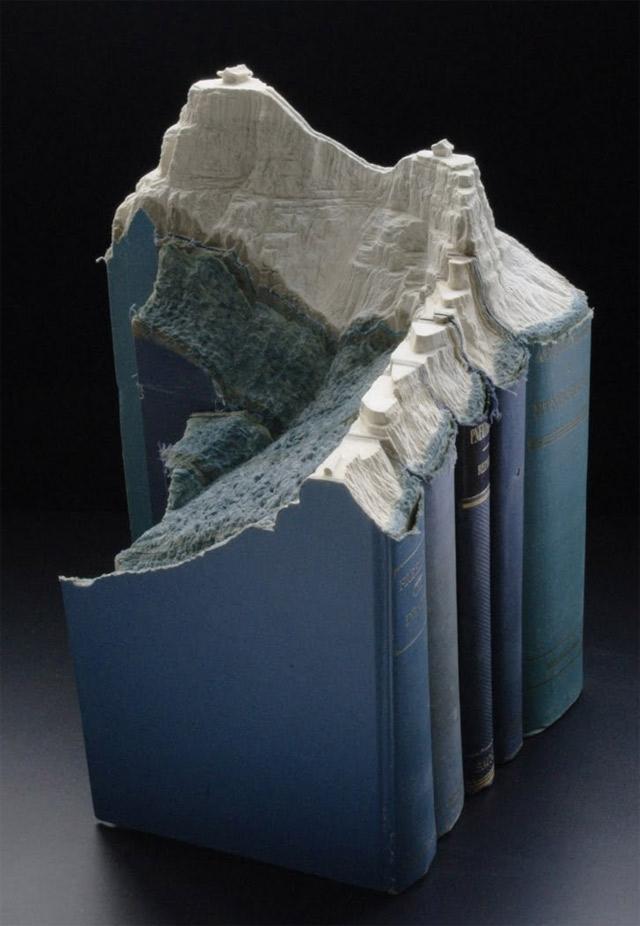 Aus Büchern geschnitzte Landschaften carvedbooklandscapes_07