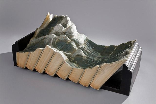Aus Büchern geschnitzte Landschaften carvedbooklandscapes_08