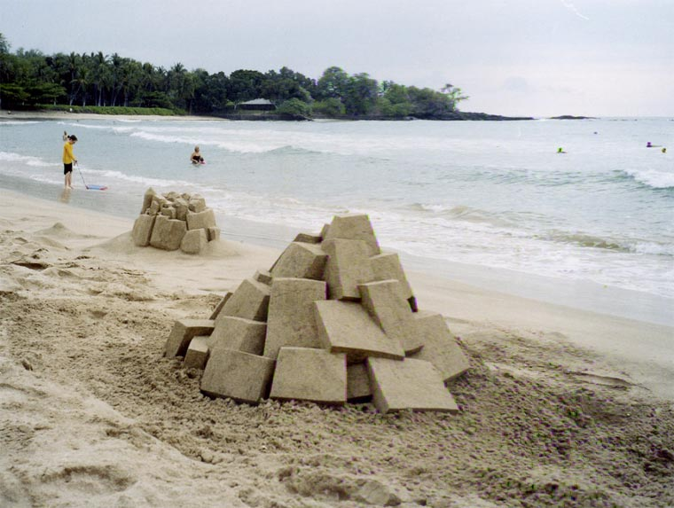 Geometrische Sandburgen geometric_sandcastles_Calvin_Seibert_07