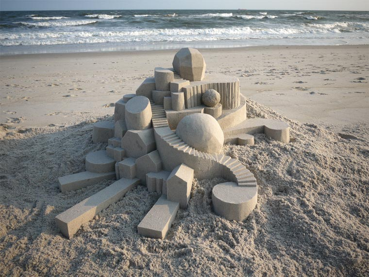 Geometrische Sandburgen geometric_sandcastles_Calvin_Seibert_08