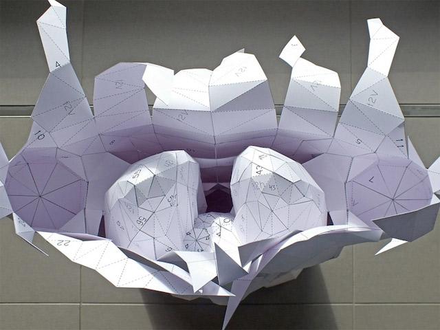Der Körper besteht zu 100% aus Luft und Papier paper_torso_06