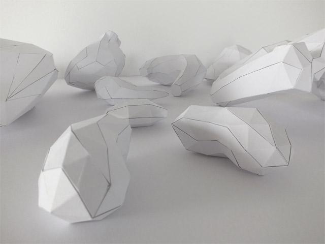 Der Körper besteht zu 100% aus Luft und Papier paper_torso_07