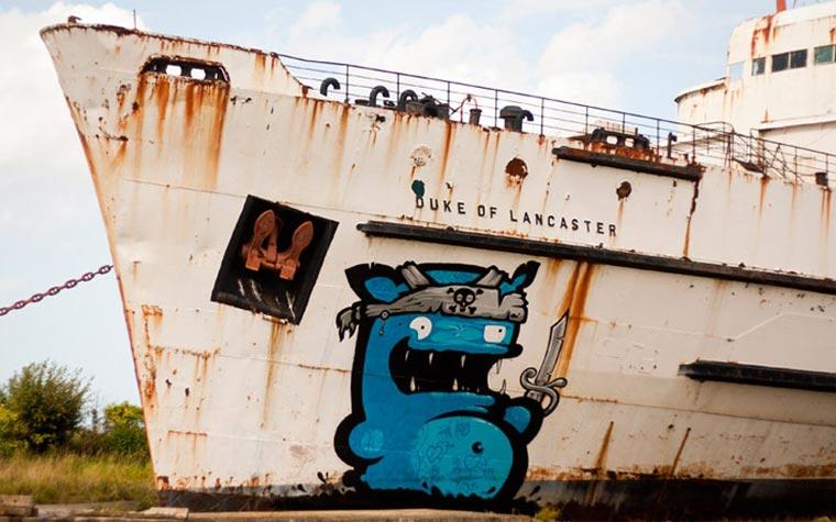 Ein Schiffswrack wird zur Graffiti-Schauwand the_black_duke_01